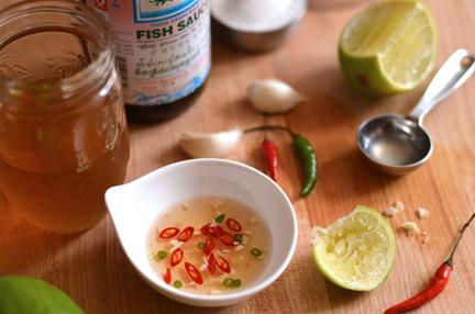 Basic vietnamese dipping sauce nuoc cham andrea de for Vietnamese fish sauce